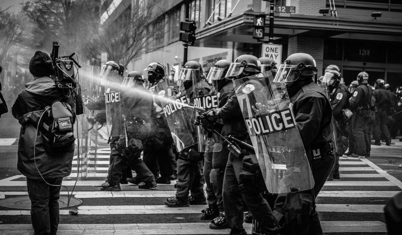 radio amiga internacional,radio,online,protestas