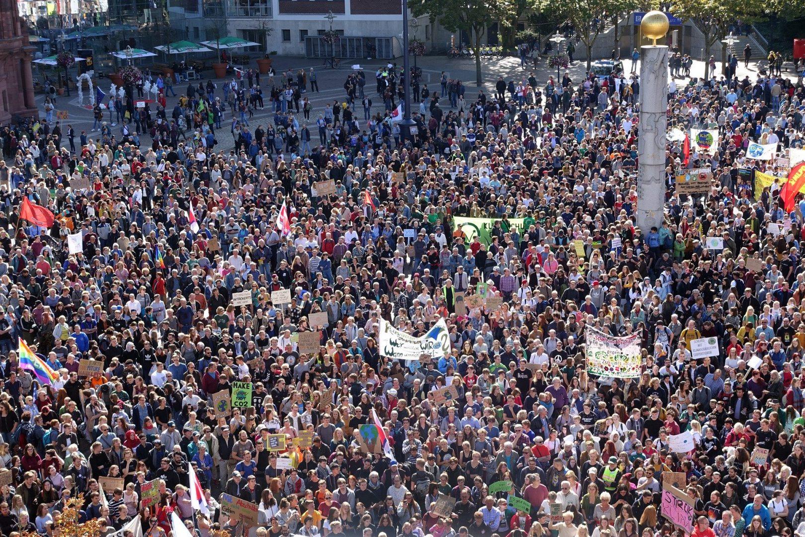 radioamiga internacional , radio, online, protestas